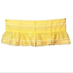 Vintage 1980's buttercup valance curtain